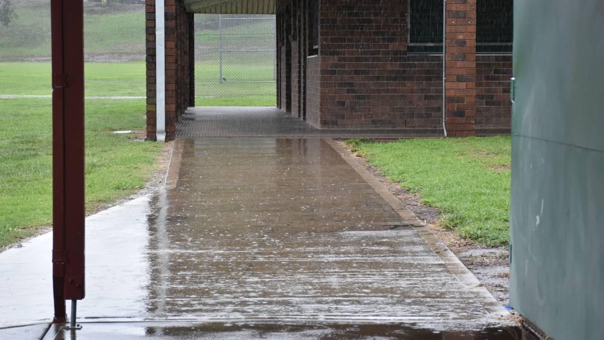 Rain singleton